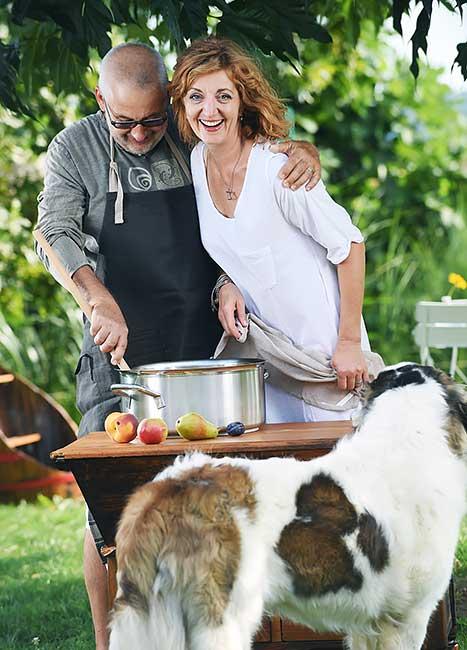 Kuhanje ni najin poklic, je pa najina ljubezen